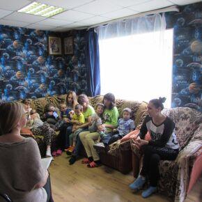В Новосибирске помогают одиноким мамам в кризисных ситуациях
