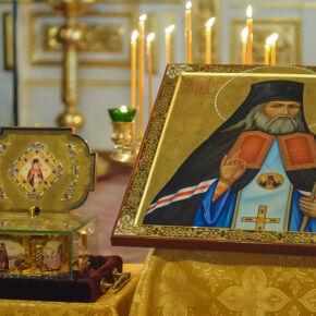 Сотрудники и насельники Епархиальных социальных гостиниц поклонились мощам святителя Луки